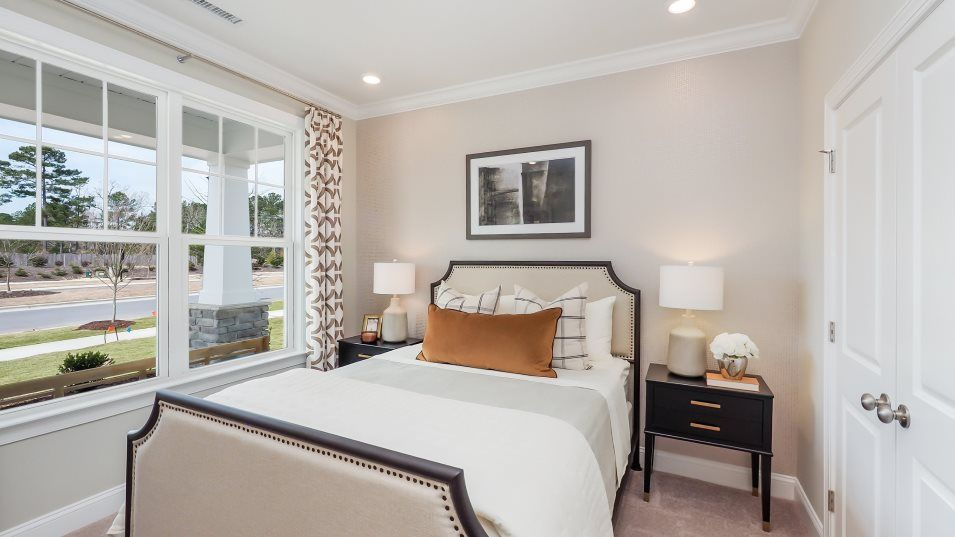 Tryon: Classic Collection Eastman II Guest Suite:Ideal for overnight guests or visiting family members, the guest suite is located on the first floor