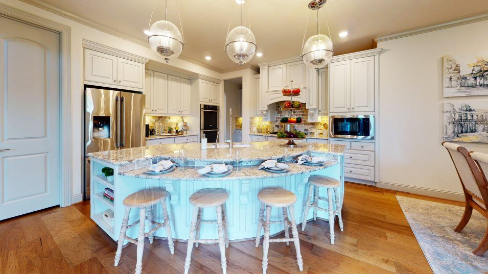 Wildwood at Northpointe Classic and Wentworth Coll:Designed for adventurous cooks, the modern kitchen comes well-equipped with popular features such as