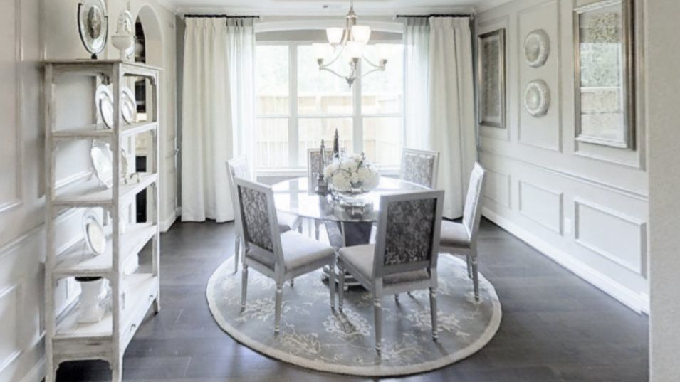 Wildwood at Northpointe Classic and Wentworth Coll:Situated off the foyer, the formal dining room enjoys an elegant design and offers privacy for celeb