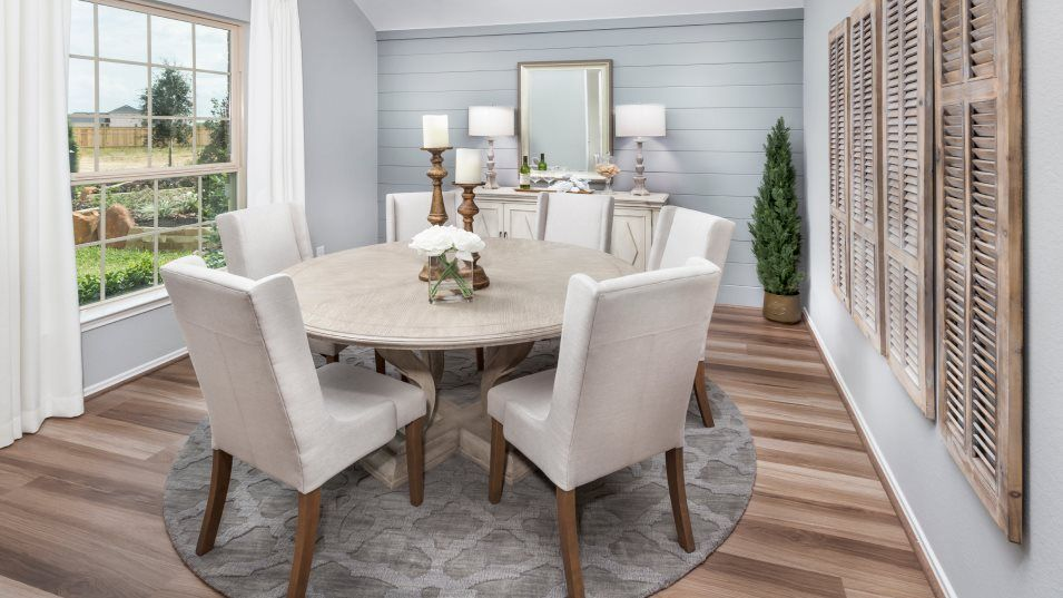 Winward Wildflower Collection Clover Dining Room:The dining room is a lovely space for intimate meals, holidays or celebrations and extends to the ma
