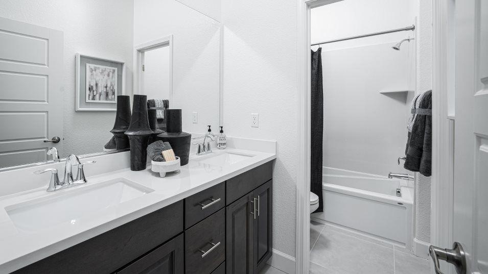 Residence 2150 Bathroom 2