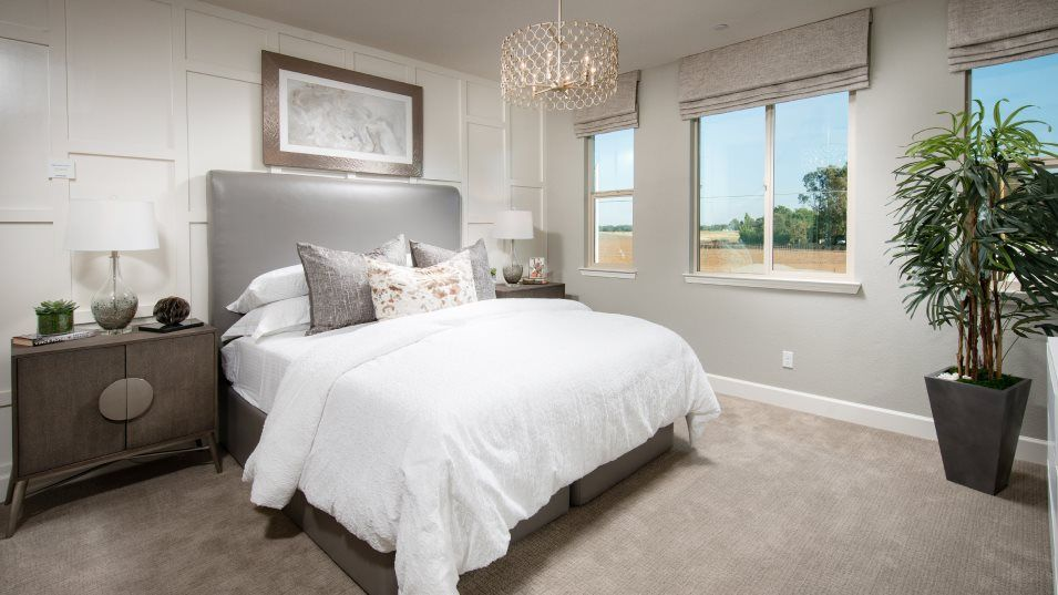 Camarillo at Fieldstone Residence 3512 Owner's Sui:The owner's suite offers a restful sanctuary with a large bedroom, a spa-inspired bathroom and a wal