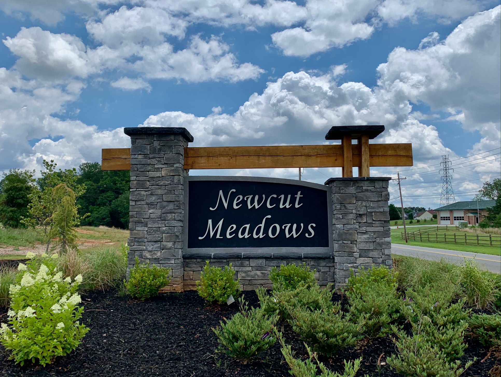Newcut Meadows entry monument