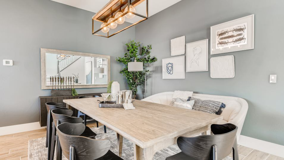 Tresor Margaux Nook:On the other side of the kitchen is a small nook that can fit a table and chairs for extra seating