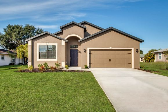 The Estero by LGI Homes:A gorgeous 4 bedroom 2 bath home