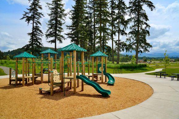 Suntop Farms by LGI Homes:Suntop Farms features 2 parks within the neighborhood!