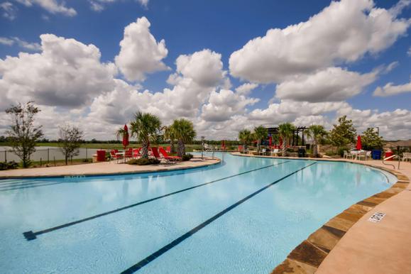 LGI Homes at Sterling Lakes:Resort Style Pool