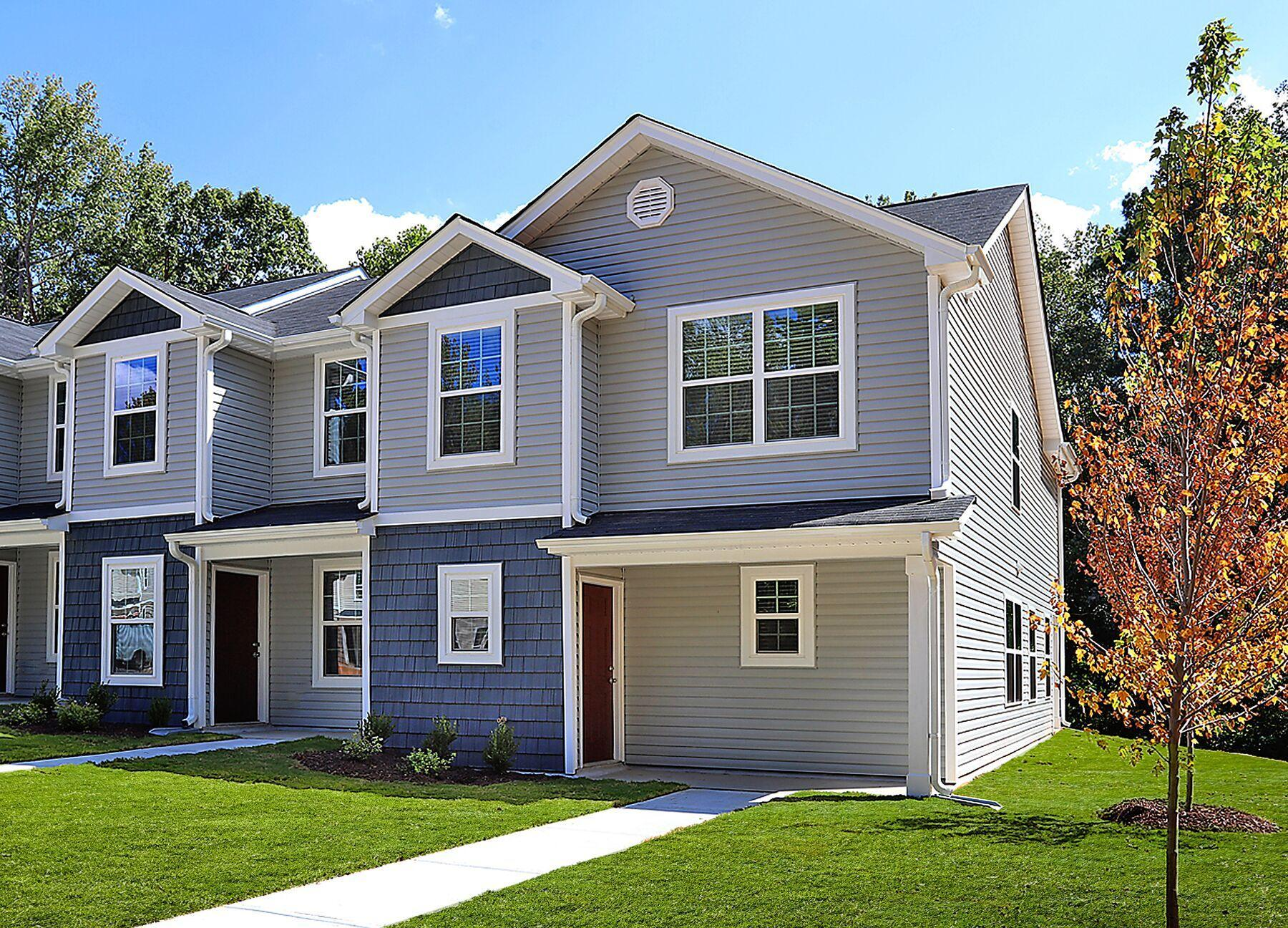 The Boxwood:Spacious end unit with lots of windows!
