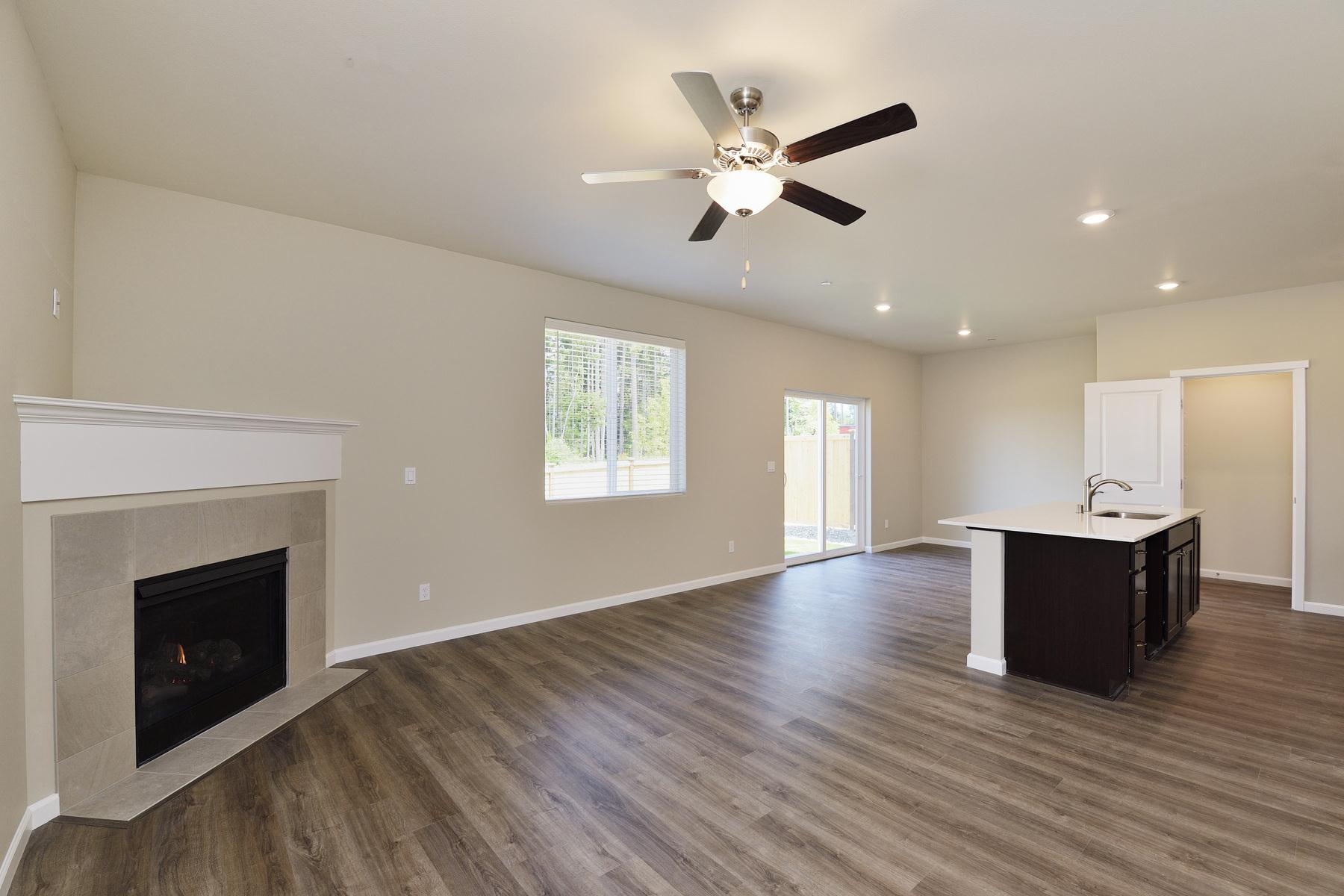 The Hawthorn with CompleteHome Plus package by LGI Homes:LGI Homes at Bay Vista