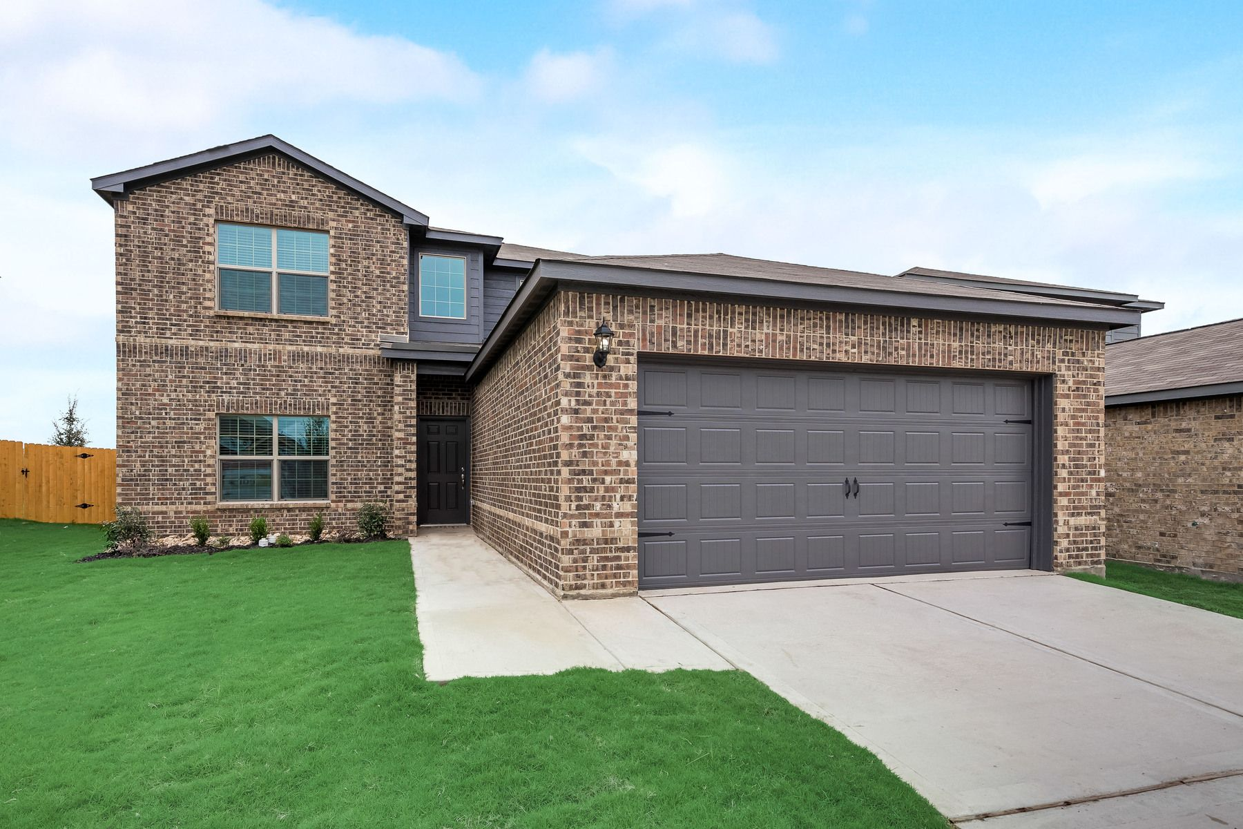 The Oakmont by LGI Homes:The Oakmont is ready for move-in at Seagoville Farms!