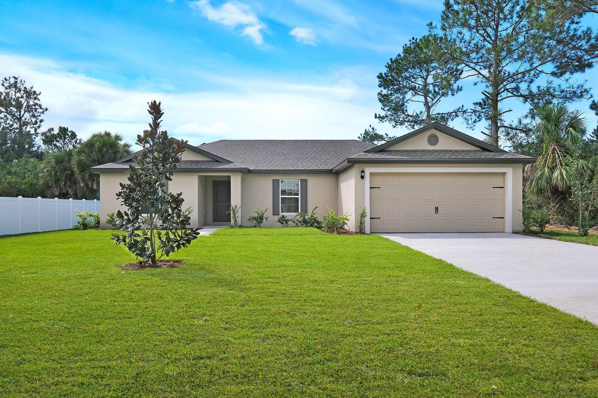 The Caladesi at Poinciana:Move-in ready home in an exceptional location