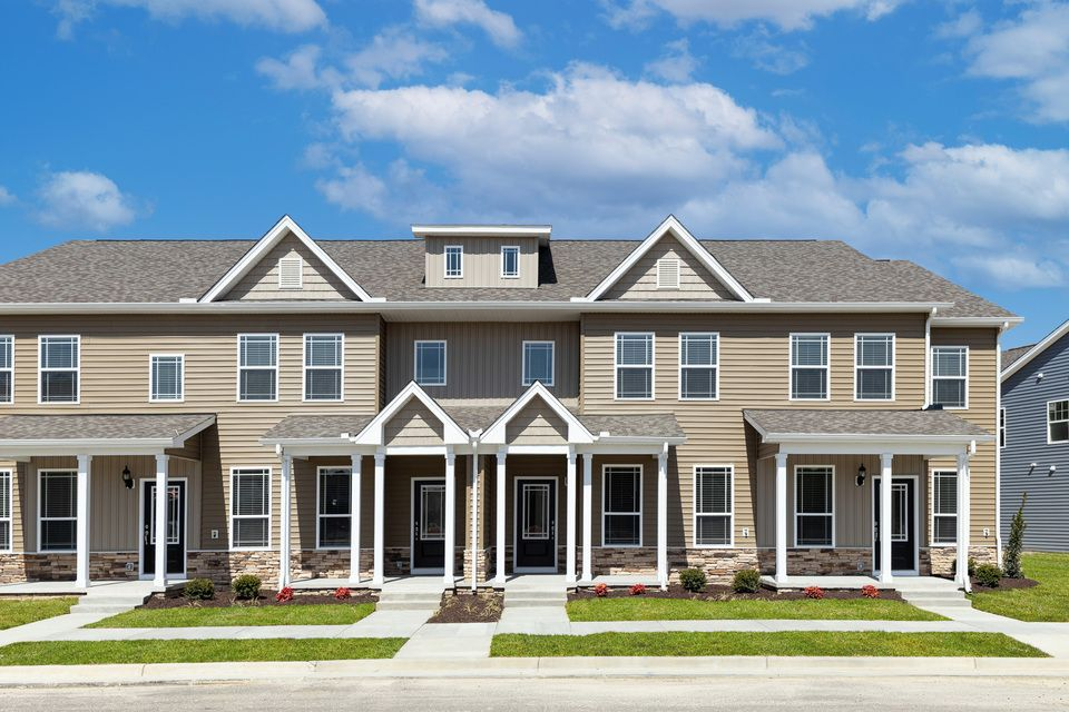 The William Townhome at Huntington Pointe by LGI Homes:The William Townhome at Huntington Pointe by LGI Homes