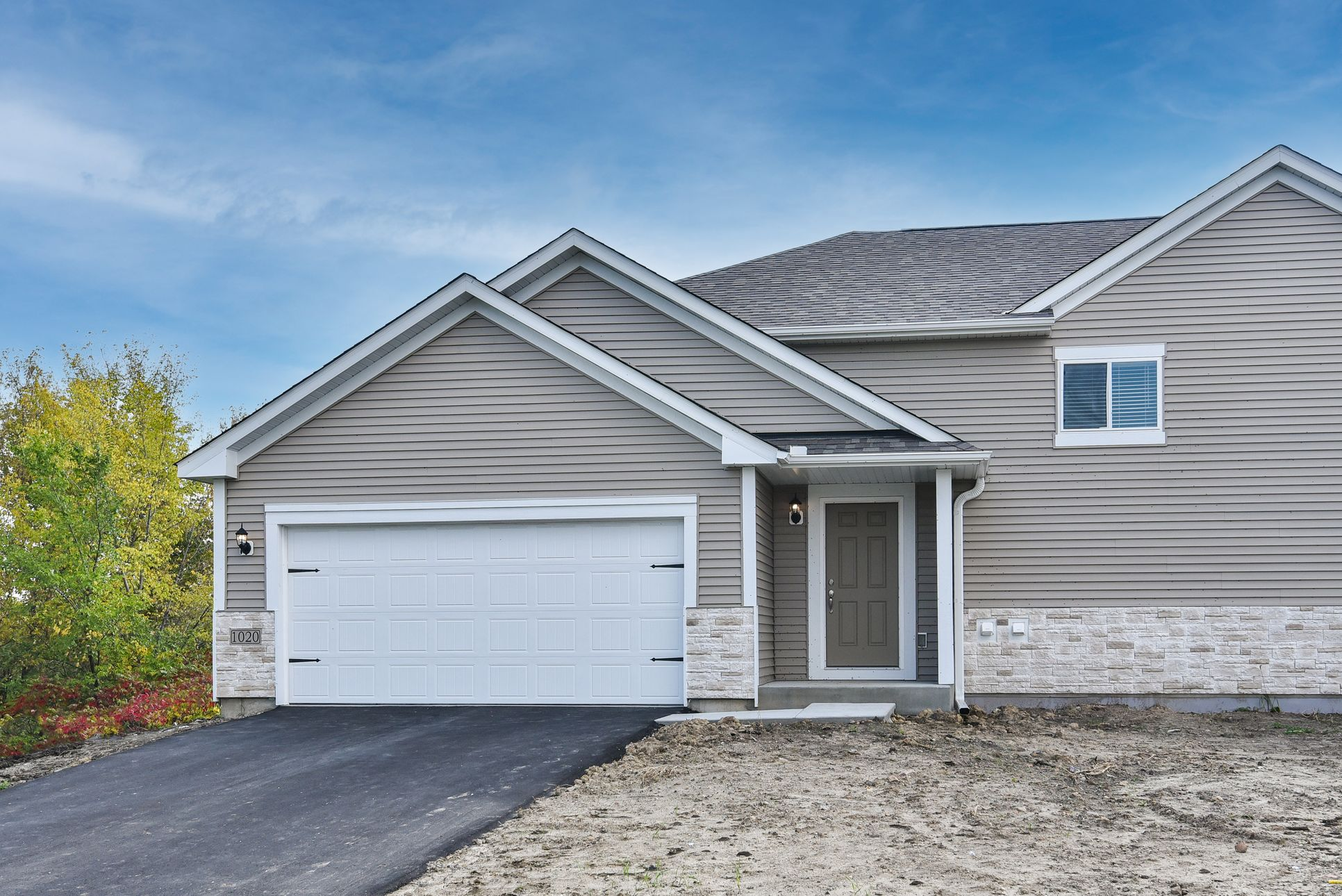 The Grant twinhome by LGI Homes:This home will be available for move-in within 30 days!