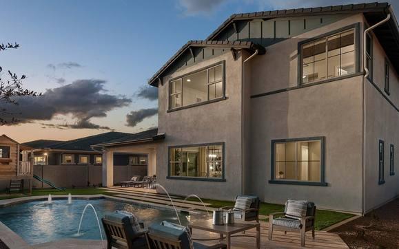 Homesteader Model | Backyard