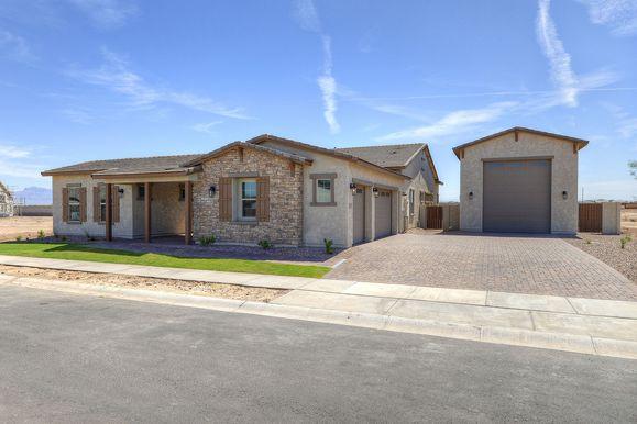 Exterior:Ranch Elevation