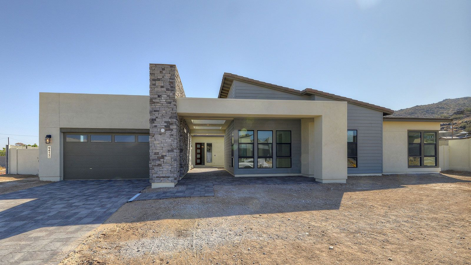 Exterior:Arizona Modern Elevation