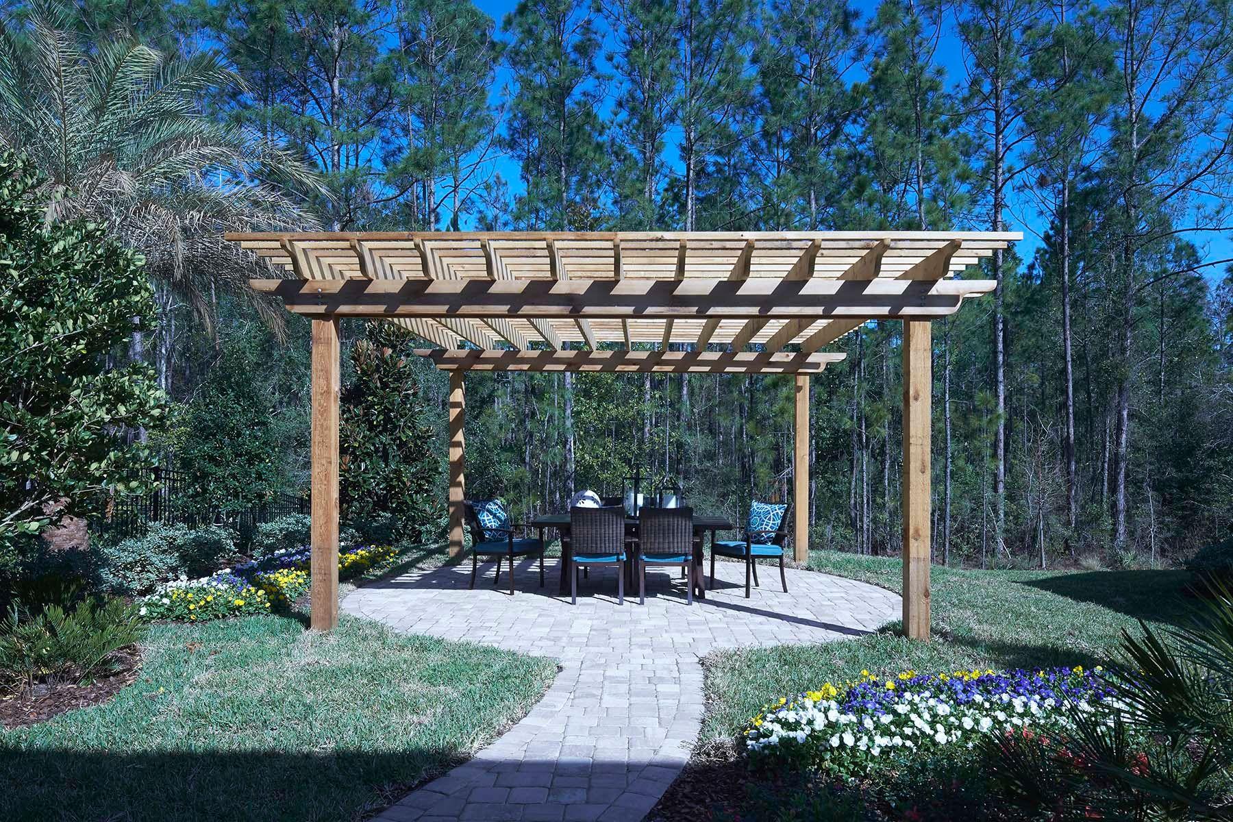 Exterior:Mallard Model Backyard