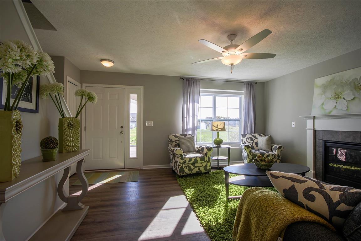 The Hickory by Mayberry Homes:Living Room