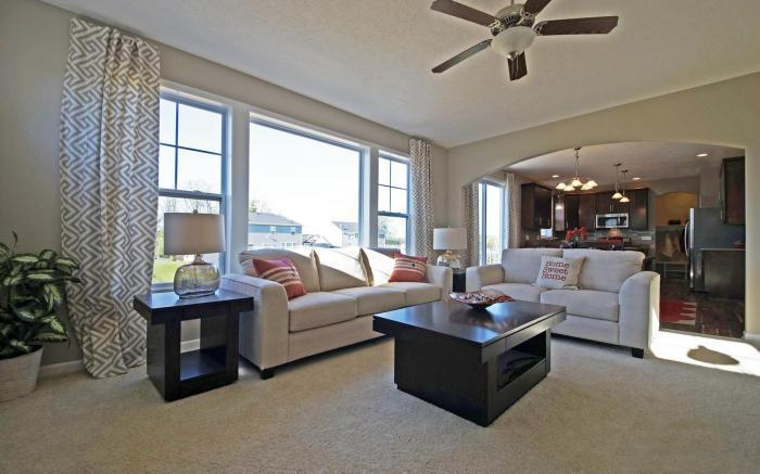 The Holiday by Mayberry Homes:Great Room