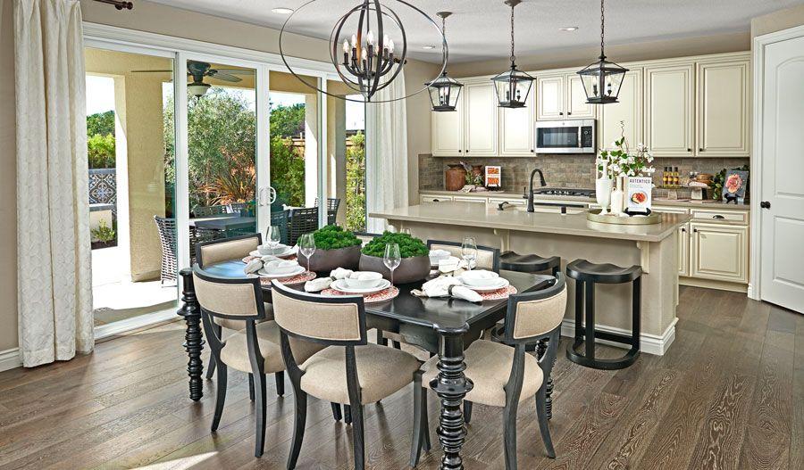 LarkspurAtTheVillages-BAY-Sienna Kitchen:The Sienna