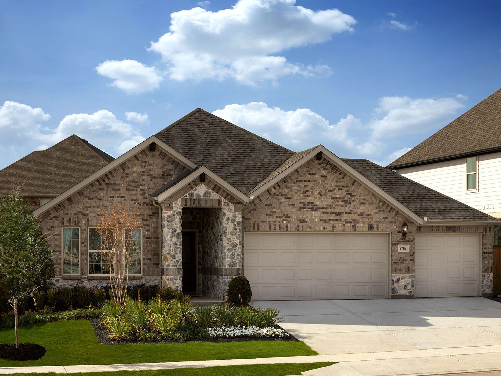The gorgeous Inwood plan is a spacious and functional single-story home.