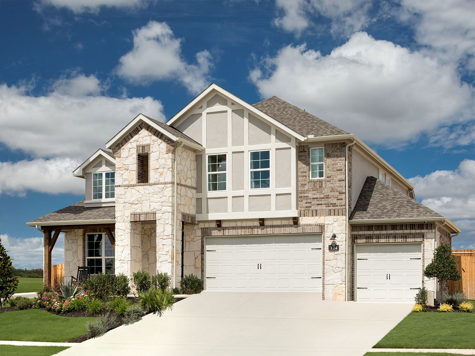 The versatile Silver Maple plan is the perfect fit for all families.