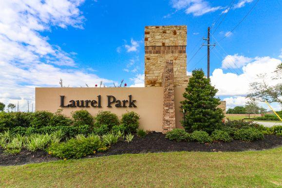 Laurel Park Entrance