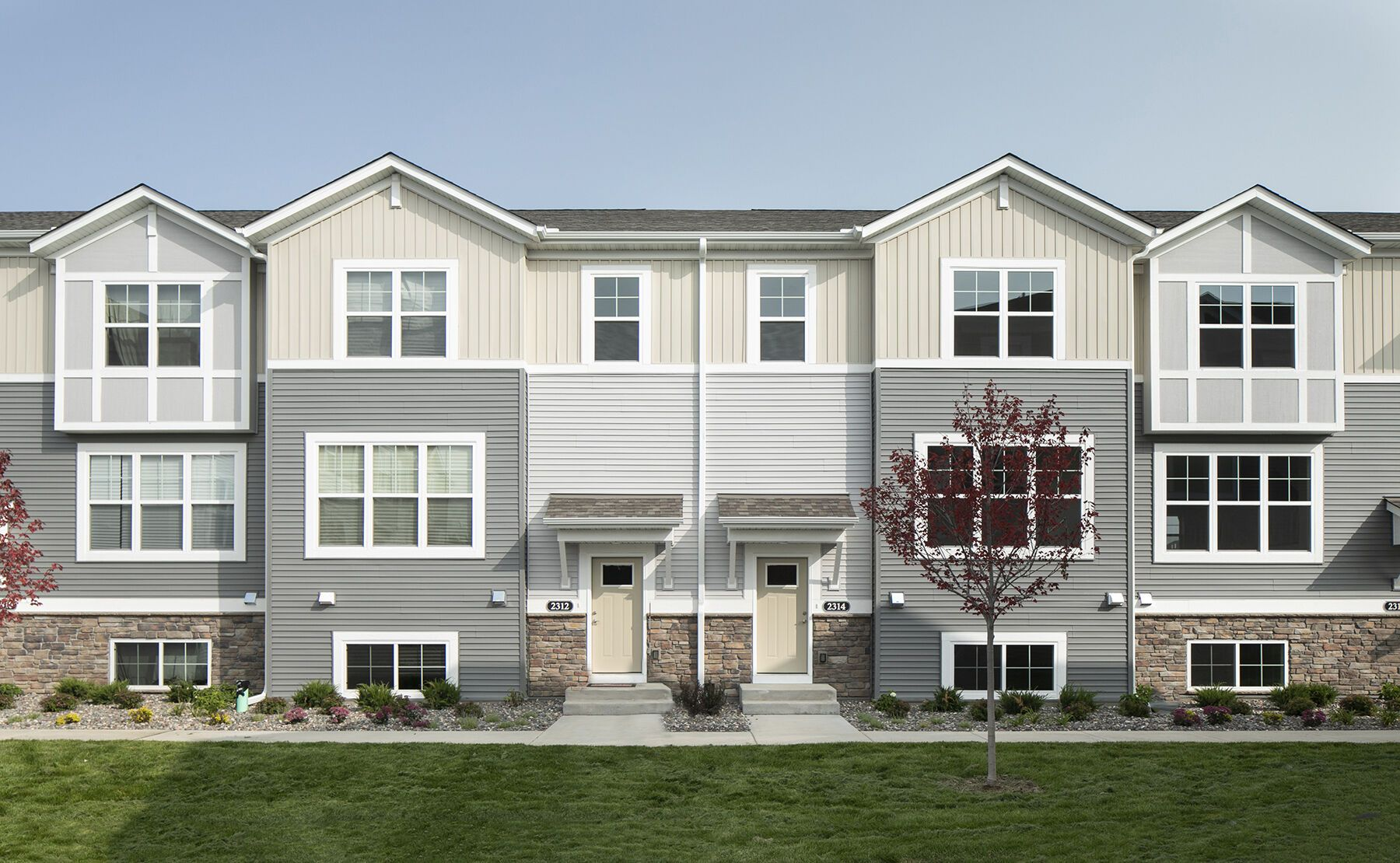 Whispering Hills Townhomes Exterior