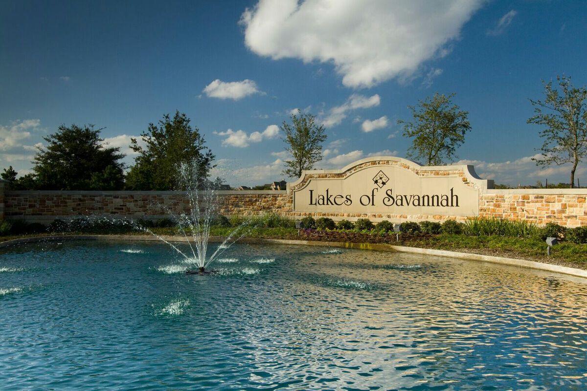 Lakes of Savannah Entry