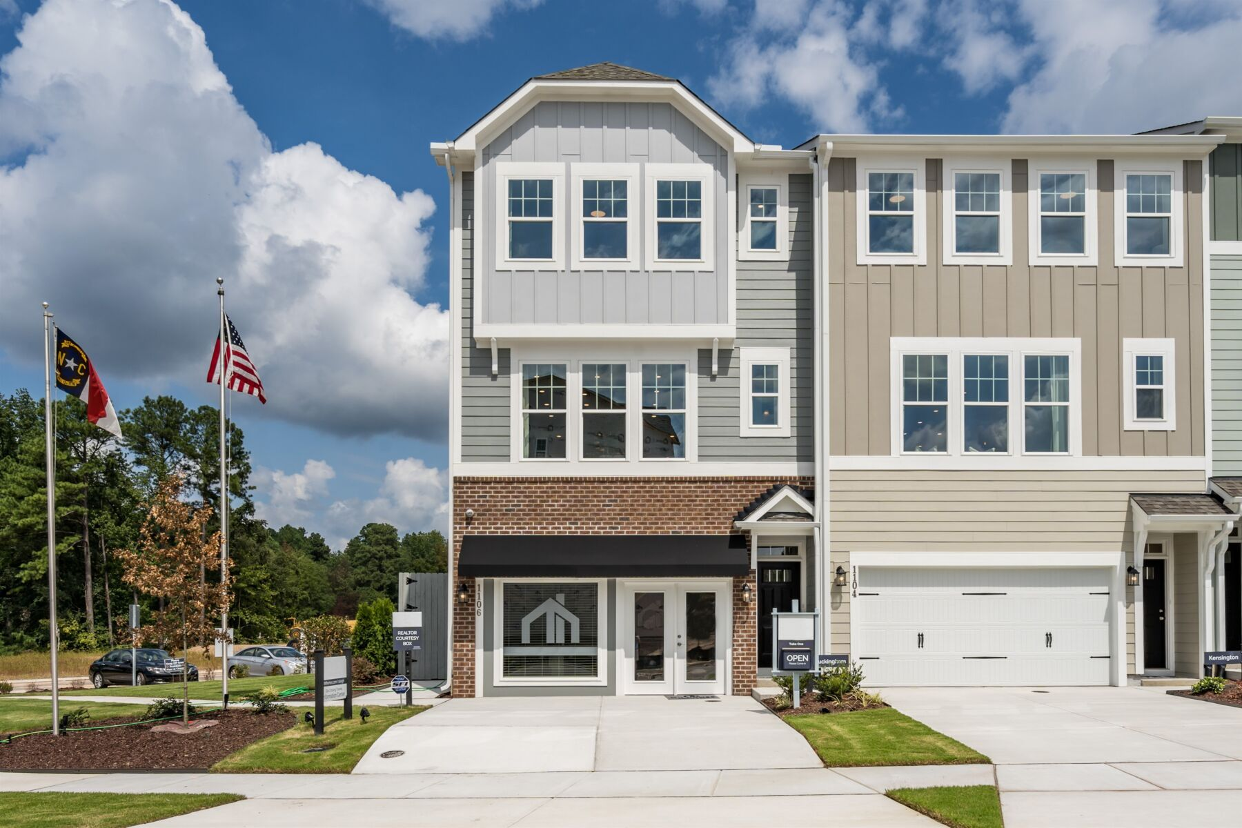 Ellis Crossing Townhomes Exterior