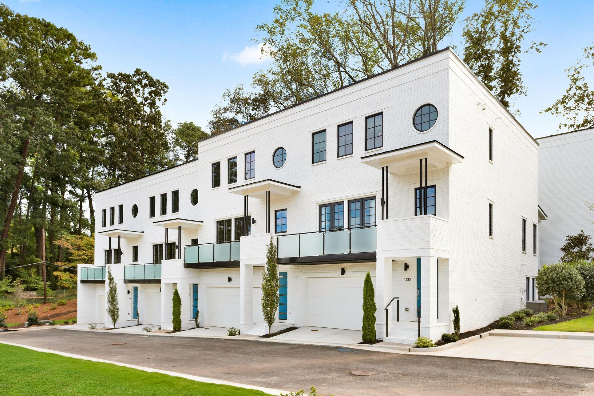 Sophia - Luxury Townhomes:Private Gated Community with Just 24 Residences