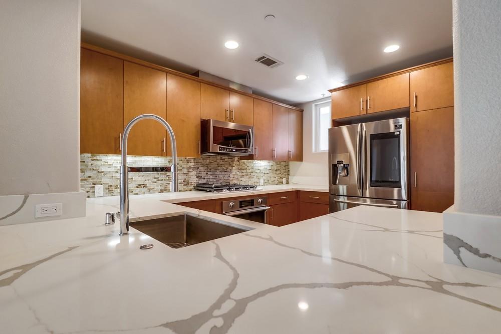 Kitchen:#304