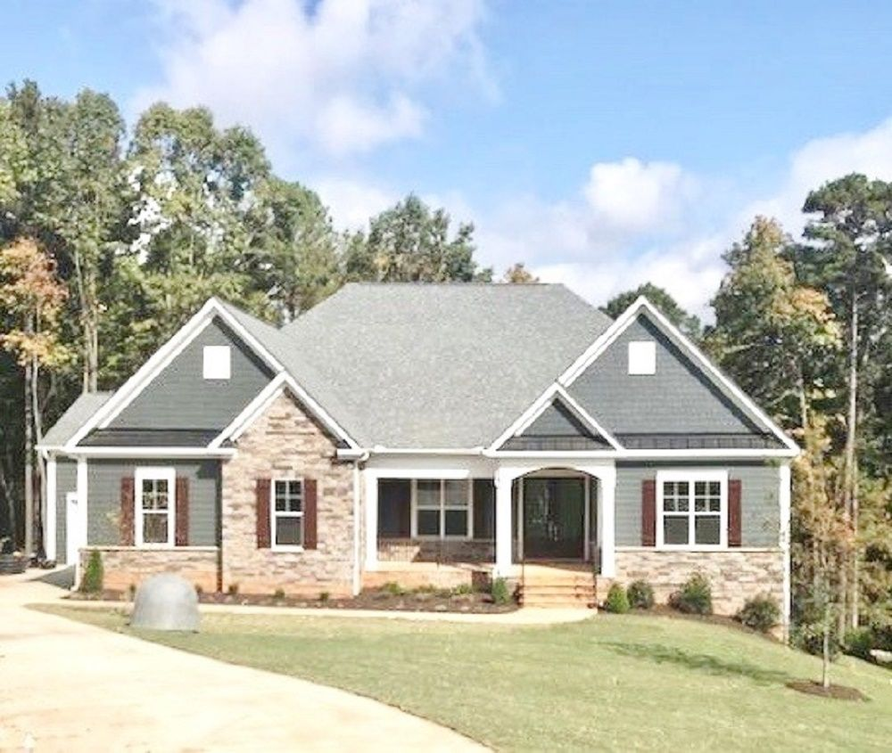 The Grayson :Lake front home!