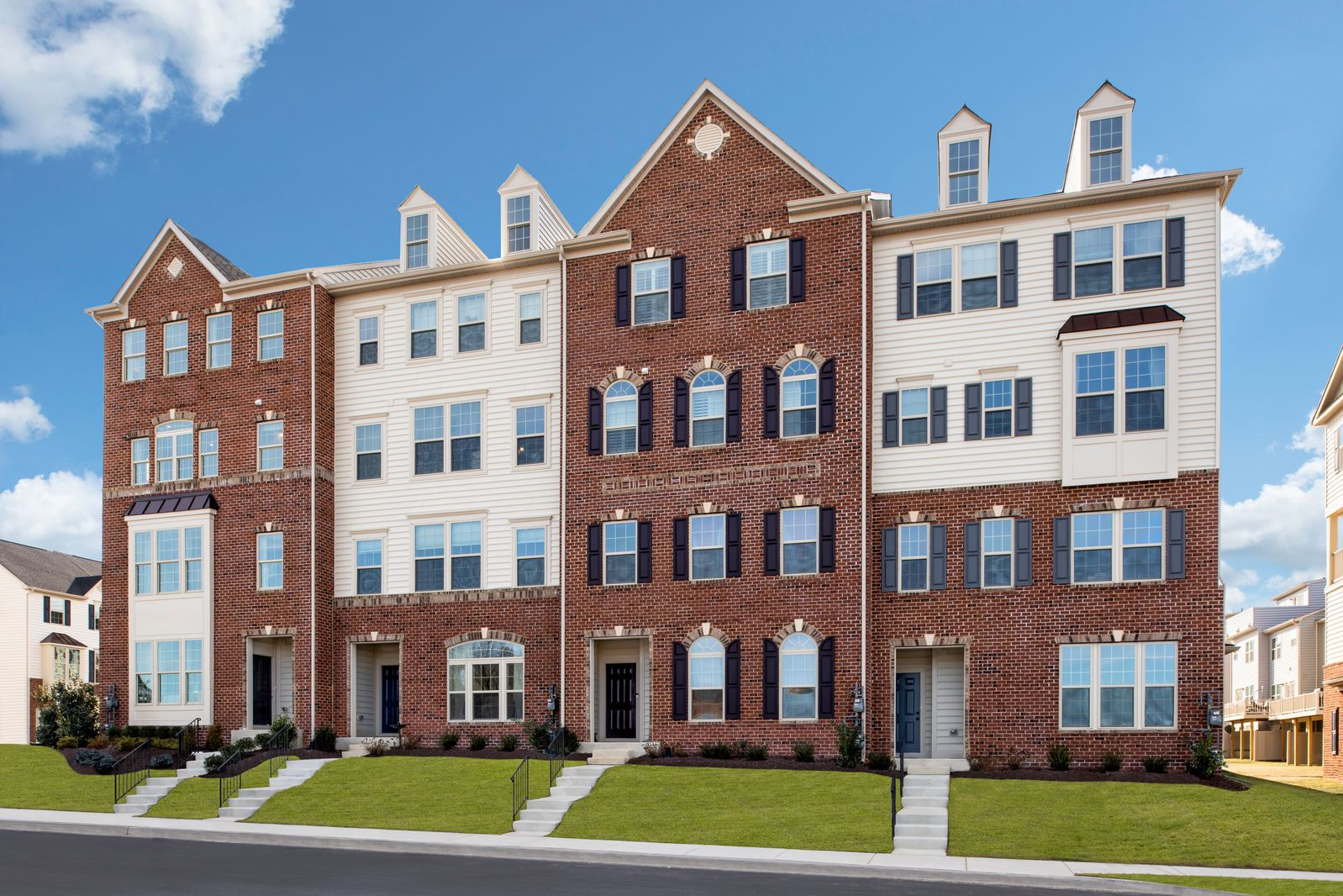 Welcome to Oakdale Village:Own the perfect space you need, live low maintenance, and close to Oakdale Schools!Schedule your 1-1 visit today!