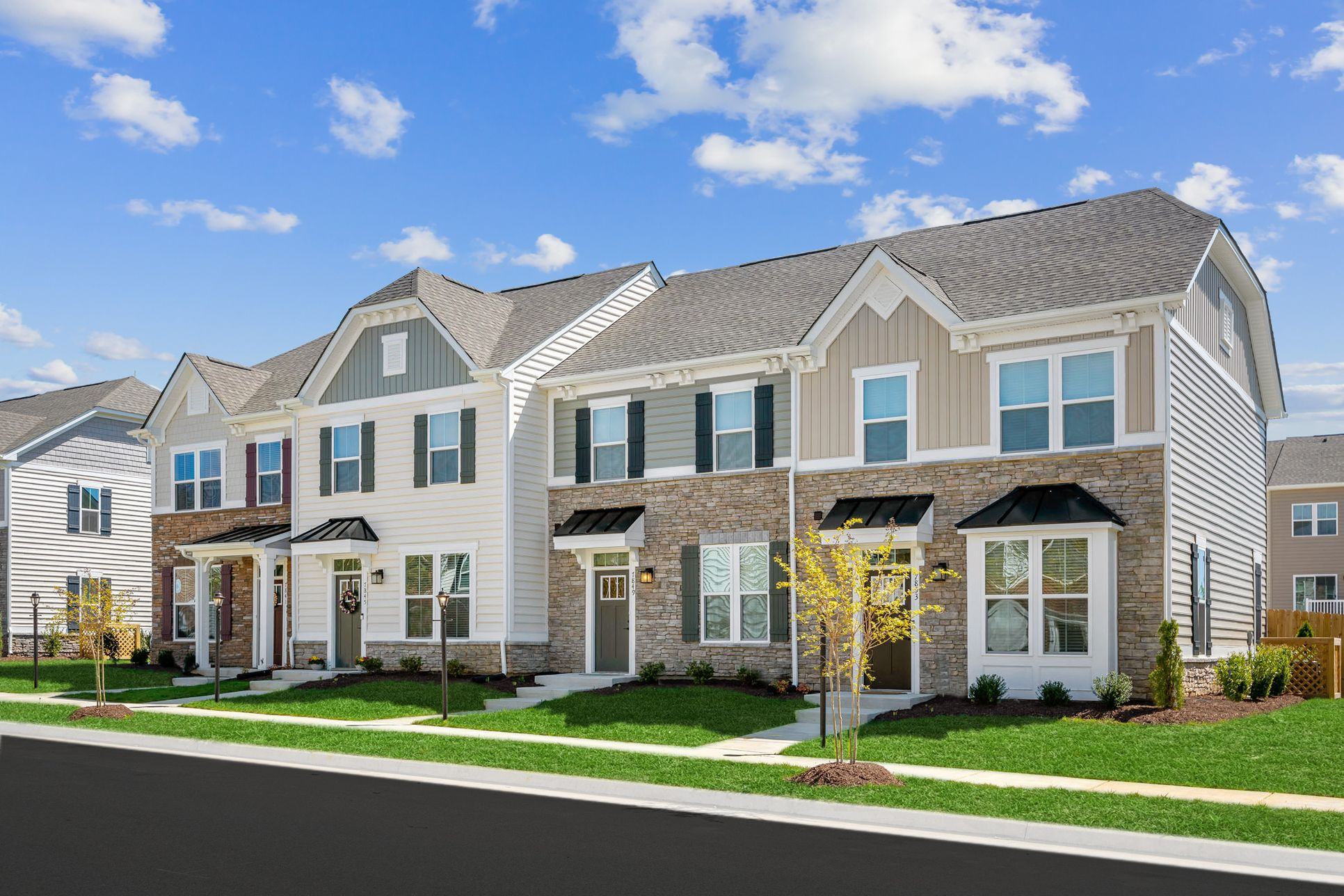 AFFORDABLE TOWNHOMES IN PORTSMOUTH:High demand community from upper $100s – starting at $1200/mo. Enjoy a shorter commute, resort-style amenities & no yard work.Click here to claim $500 incentive – ends 8/17.