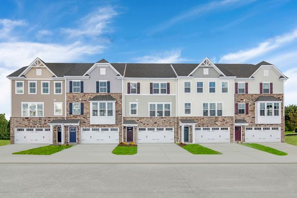 HICKORY TOWNHOMES GRAND OPENING:Urban townhome living nearbyNorthside Marketplace and the best of Akron! Reduced taxes and low-maintenance features from the upper $100s.Click here to schedule your 1-on-1 or virtual visit today!