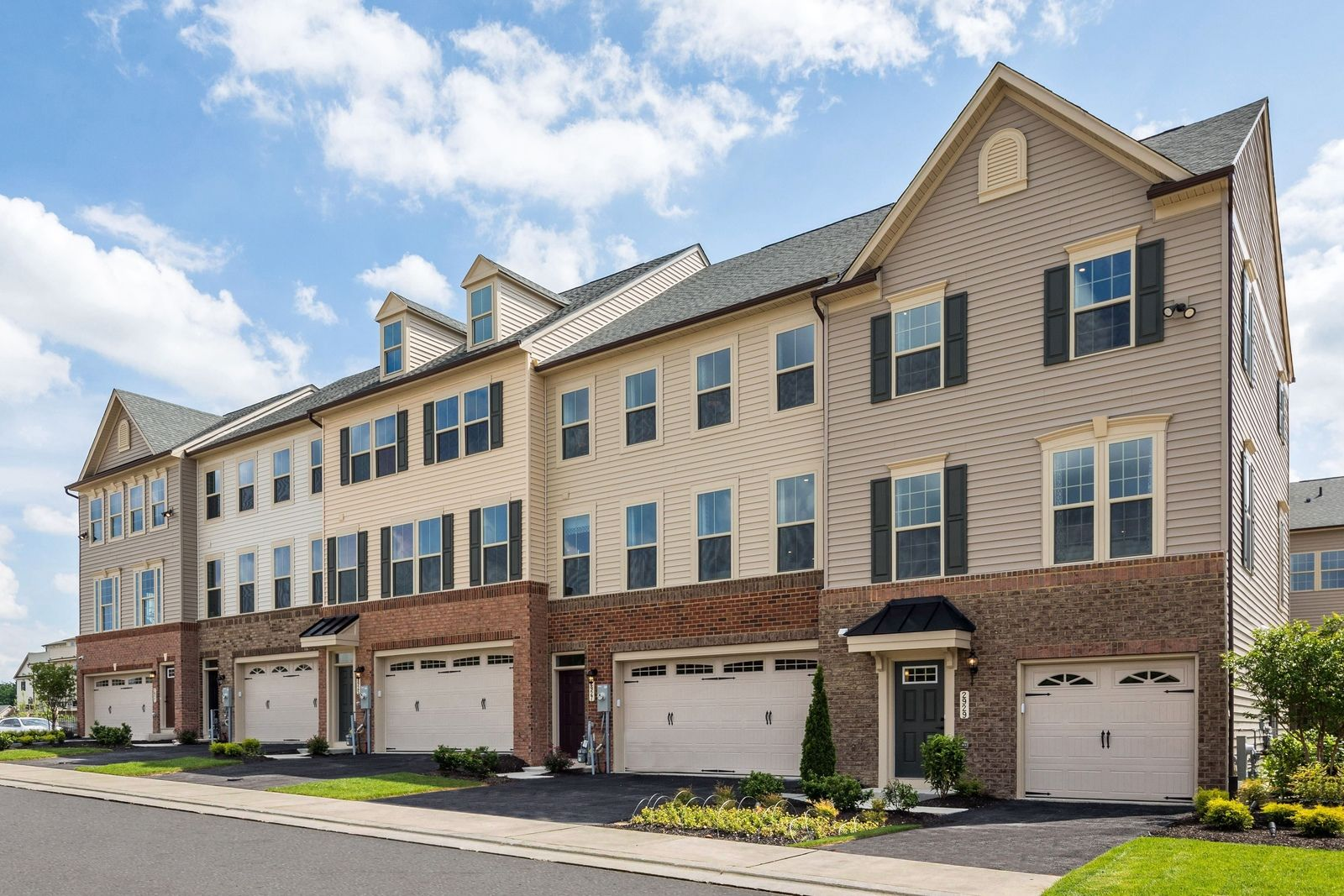 JOIN THE VIP LIST TO GET THE LATEST UPDATES AND LOWEST PRICING:Coming Soon Early Fall 2020.1 & 2 Car Garage Townhomes in a convenient location from thelow-mid $300s!Join the VIP List Today!