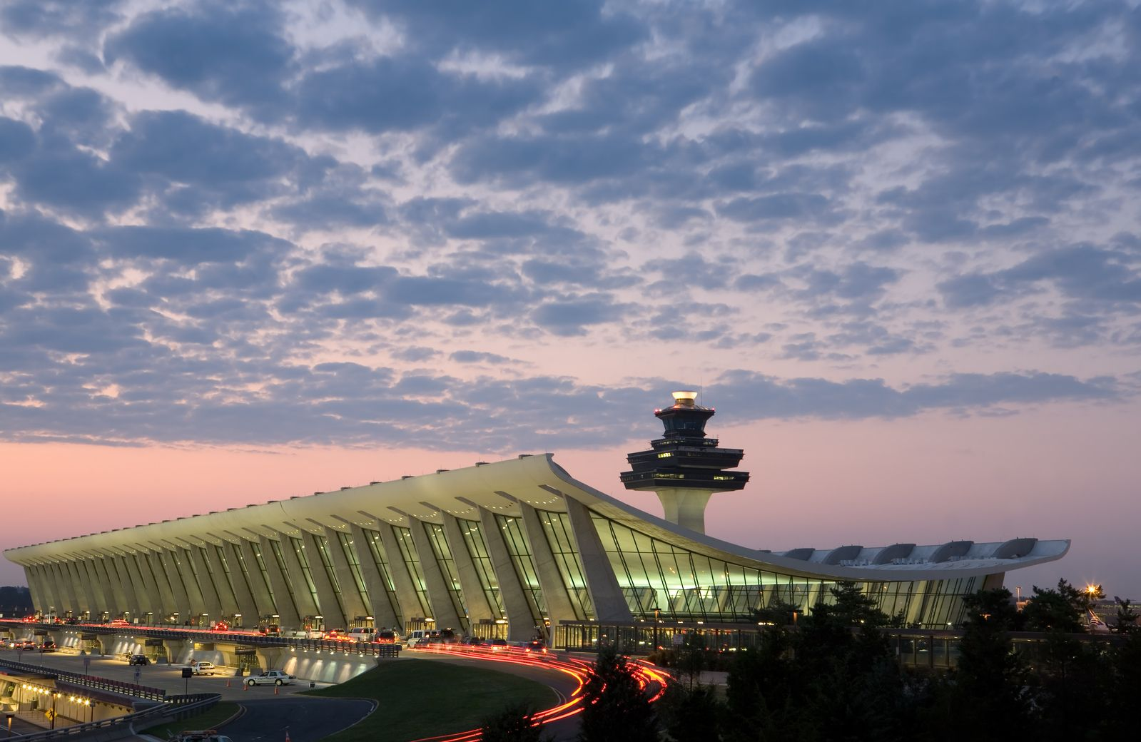 EASY ACCESS TO DULLES AIRPORT AND COMMUTER ROUTES:You won't find a better location if you need to commute or get to Dulles Airport quickly! You'll enjoy easy access to Rte. 28, 267 andthe Metro meaning you'll get to where you need to go, faster.