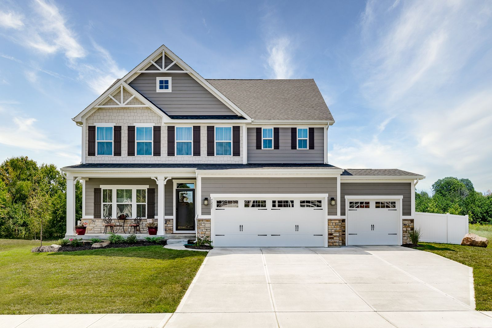 WELCOME HOME TO LEXINGTON FARMS:New homes in a peaceful community setting with spacious and private yards. 3-car garage per plan, walking/biking trails to Washington Square. From mid $200s. Click here to schedule your visit!