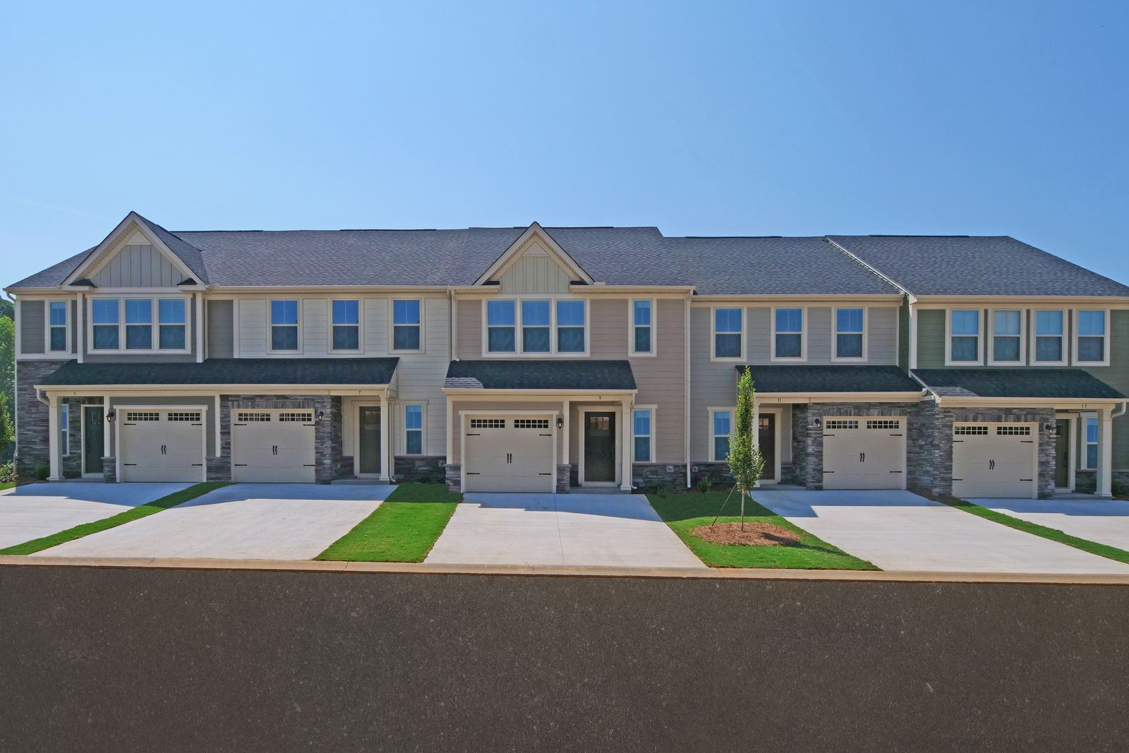 Why rent when you can own for the same? From the $250s-$300s:Own a new townhome with the amenities you've grown to love - pool, dog park, and firepit! Located off of Woodruff Road & 2 mins. to interstates. Schedule your visit to learn more!