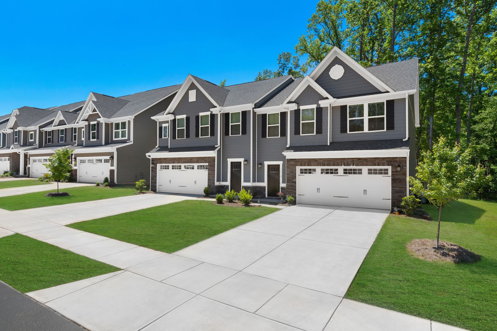 Best Priced New Homes in the Cox Mill School District. From Upper $300s:Own one of these 35 spacious new townhomes in the Highland Creek area of Concord.Join the VIP List for exclusive updates and the lowest pricing!