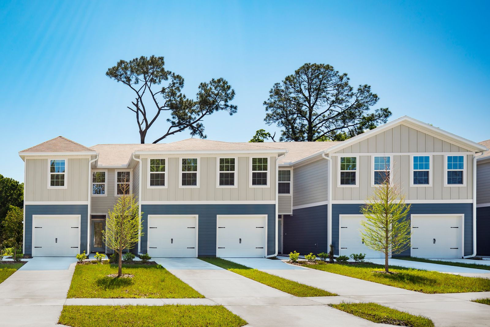 Welcome Home to Creekbend in Jacksonville, FL!:Own for less than rent in Jacksonville! New construction townhomes affordably priced from the low $200s with a low monthly payment. Schedule an appointment to learn more.