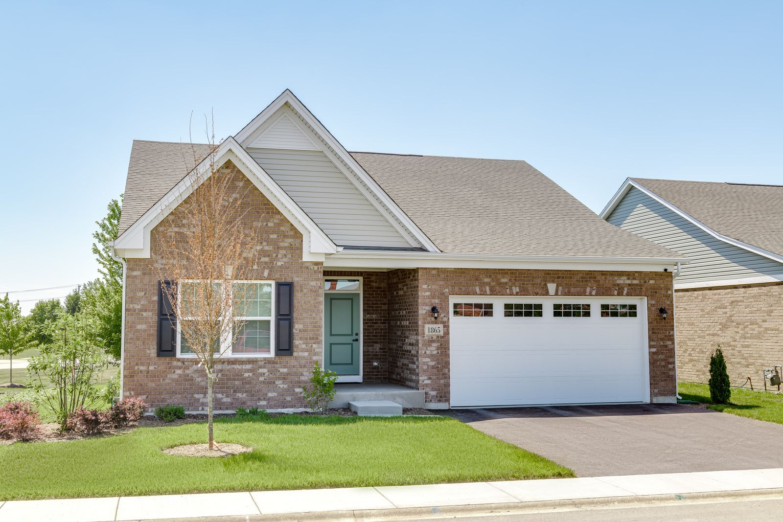 Welcome to Heather Glen in New Lenox:Beautiful, ranch homes witha low maintenance lifestyle. Enjoy friends, neighbors and community gatherings in this quaintclose-knit community.Click here to schedule your visit today!