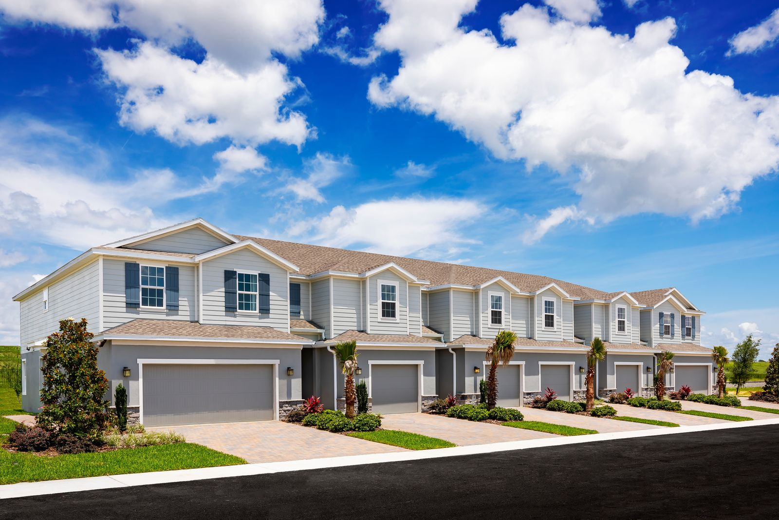 Welcome home to Holden Ridge in Minneola, FL!:Schedule a tour to check outMinneola's ONLY new gated Luxury Townhome community with low-maintenance living in a stunning, natural setting near turnpike & top schools. USDA Approved!