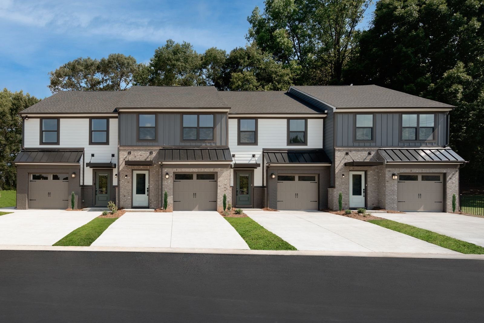 """Own a new, modern, low-maintenance townhome at the best value in the heart of Mauldin.:Expect to enjoy the finer features, finishes, and style in your new home.Join the VIP List to be the first to be """"in the know"""" about Butler Townes. From the low-$200s."""