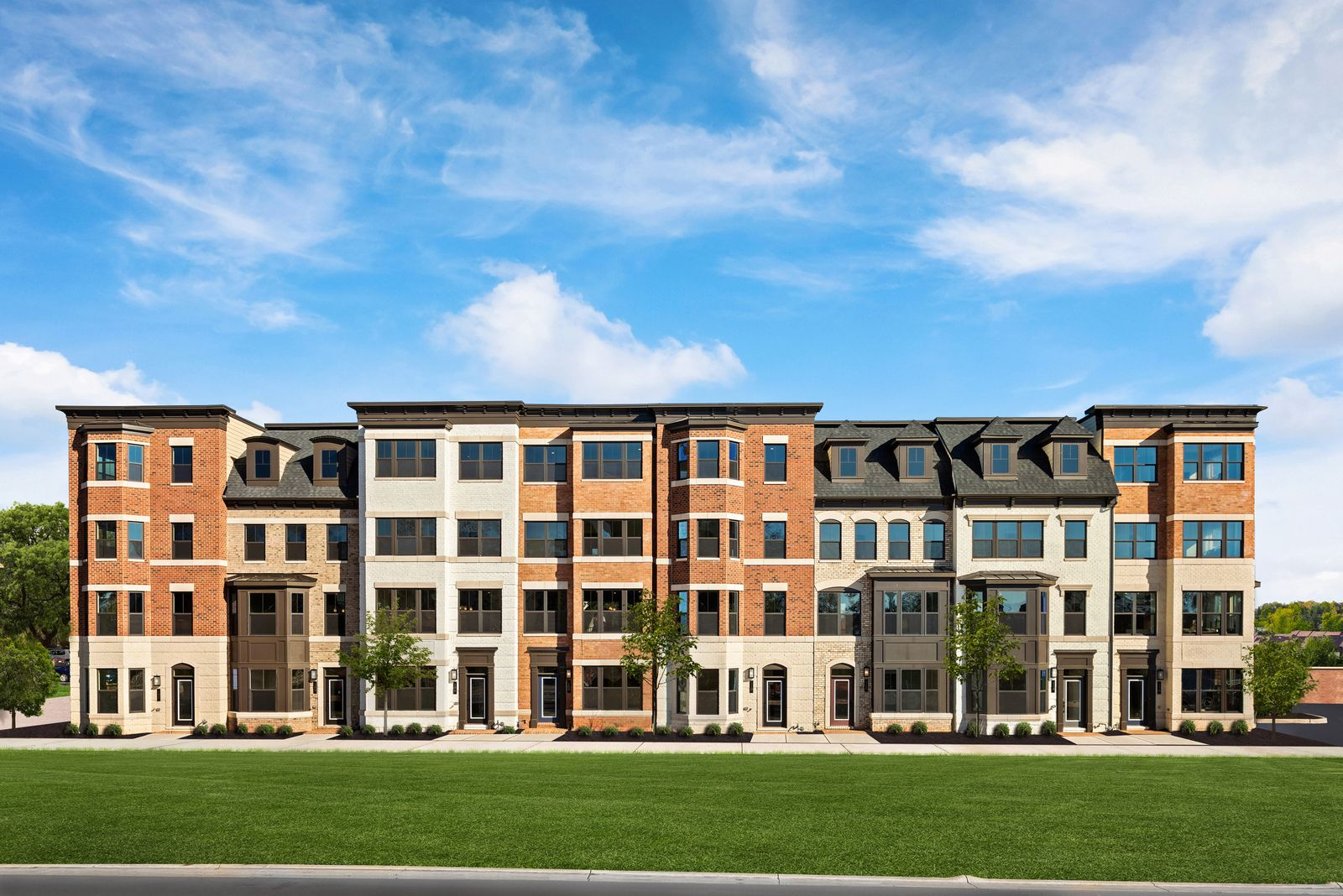 STATELY NV TOWNHOMES IN THE TOWN OF VIENNA