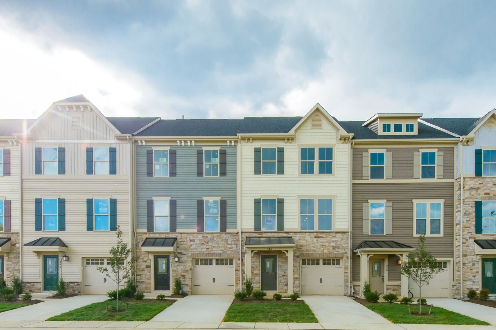 welcome to the villages at berkley square:Last chance for an upscale townhome with craftsman finishes in Kingsway schools, only one minute to 295 and 15 minutes to Philadelphia.Click here to schedule your appointment.