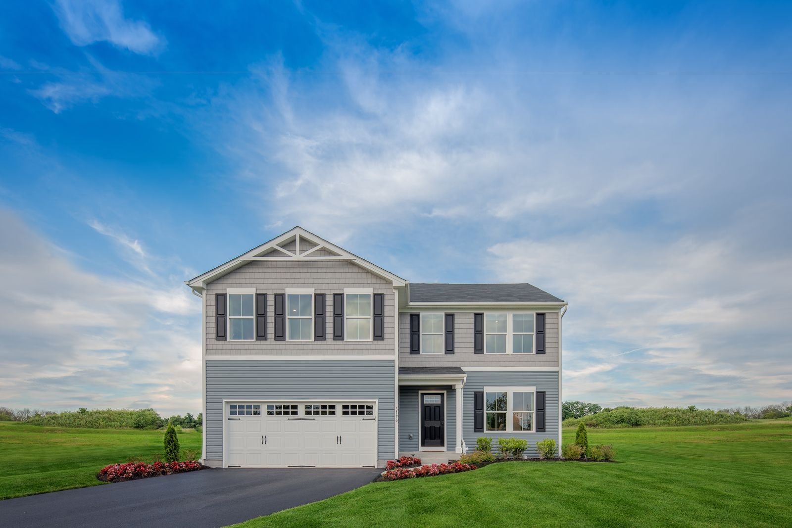 The perfect combination of location, yard size, and new homes:The Oaks by Ryan Homes is New Kent's lowest-priced community featuring single-family homes with 4+ beds, 2-car garages & up to ½ acre lots. Just a 2-min drive to New Kent HS!Click here to be a VIP.