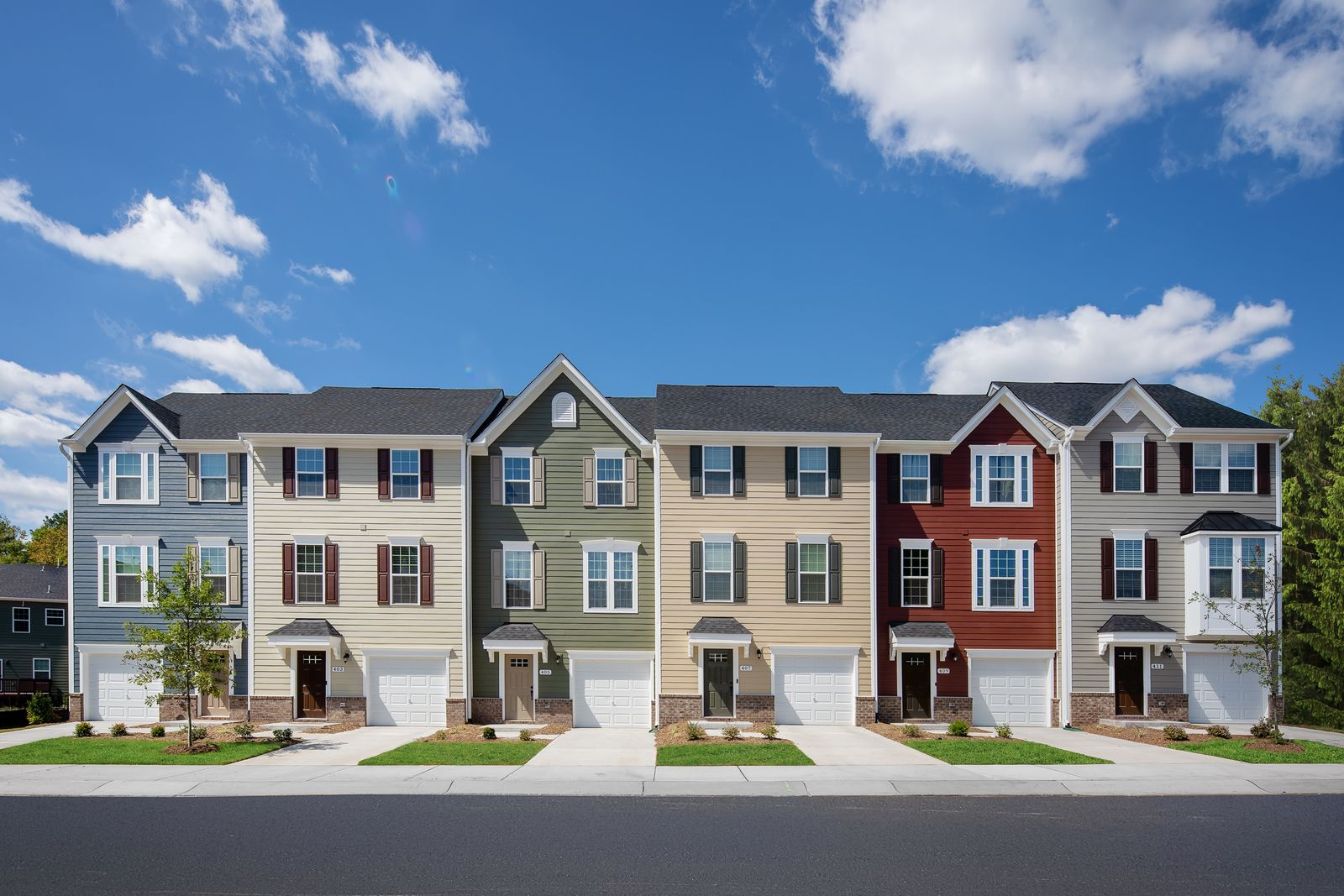 Welcome to Independence Square:New townhomes with garage in Gloucester Township priced from themid $200s.Phase 1 is sold out.Click here to stay up to date on Phase 2 - coming in December.