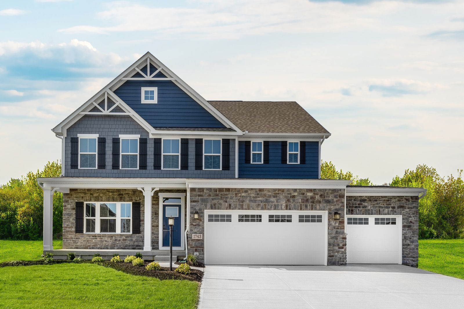 Noelting Estates: 1/2 Acre Homesites:Click here to schedule your visit to choose your homesite in our new section. Featuring wooded and tree-lined homesites with up to a ½ acre+ plus optional 3-car garages & basements!